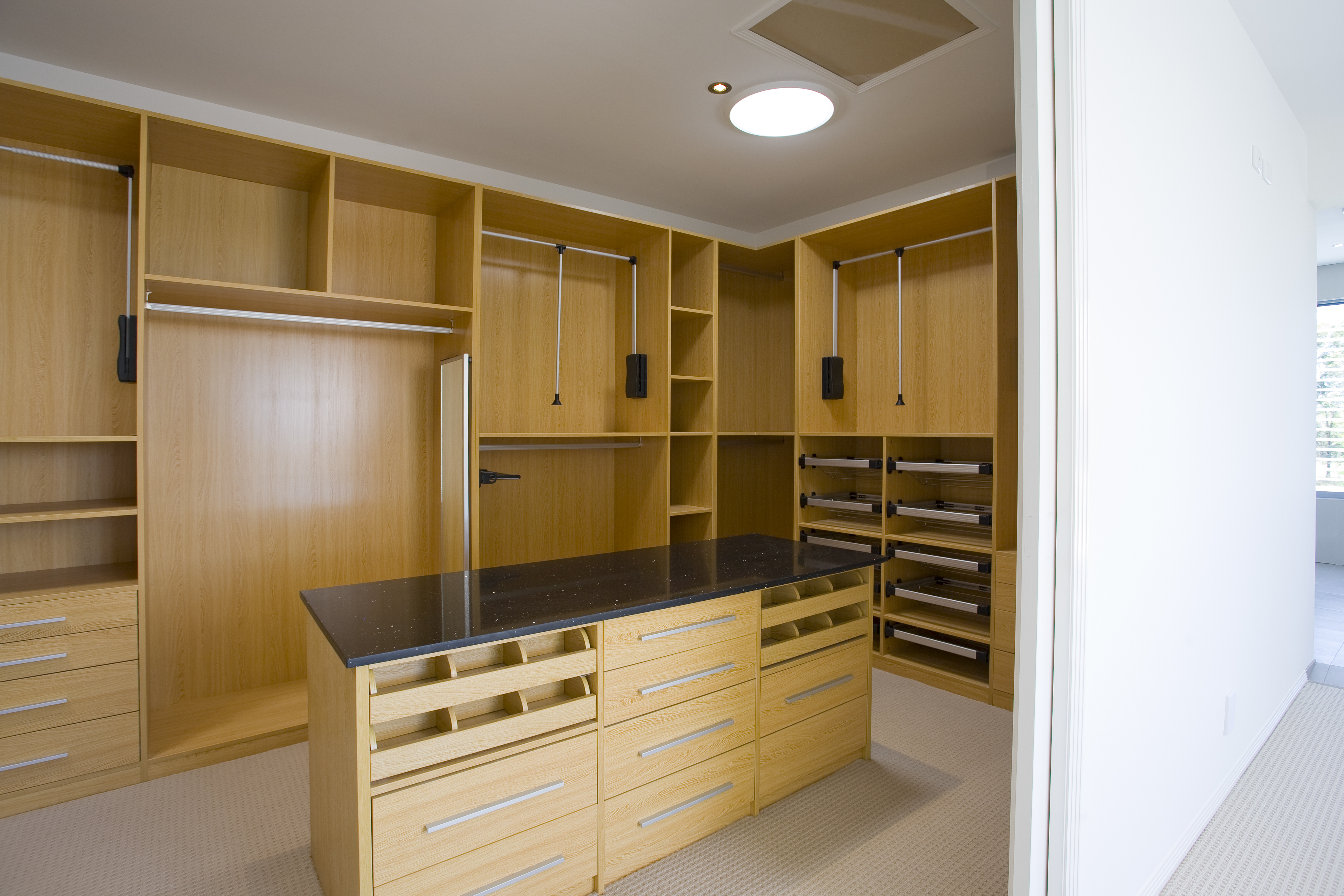 This is the perfect example of fitted furniture and accessories that Capital Bedrooms has to offer