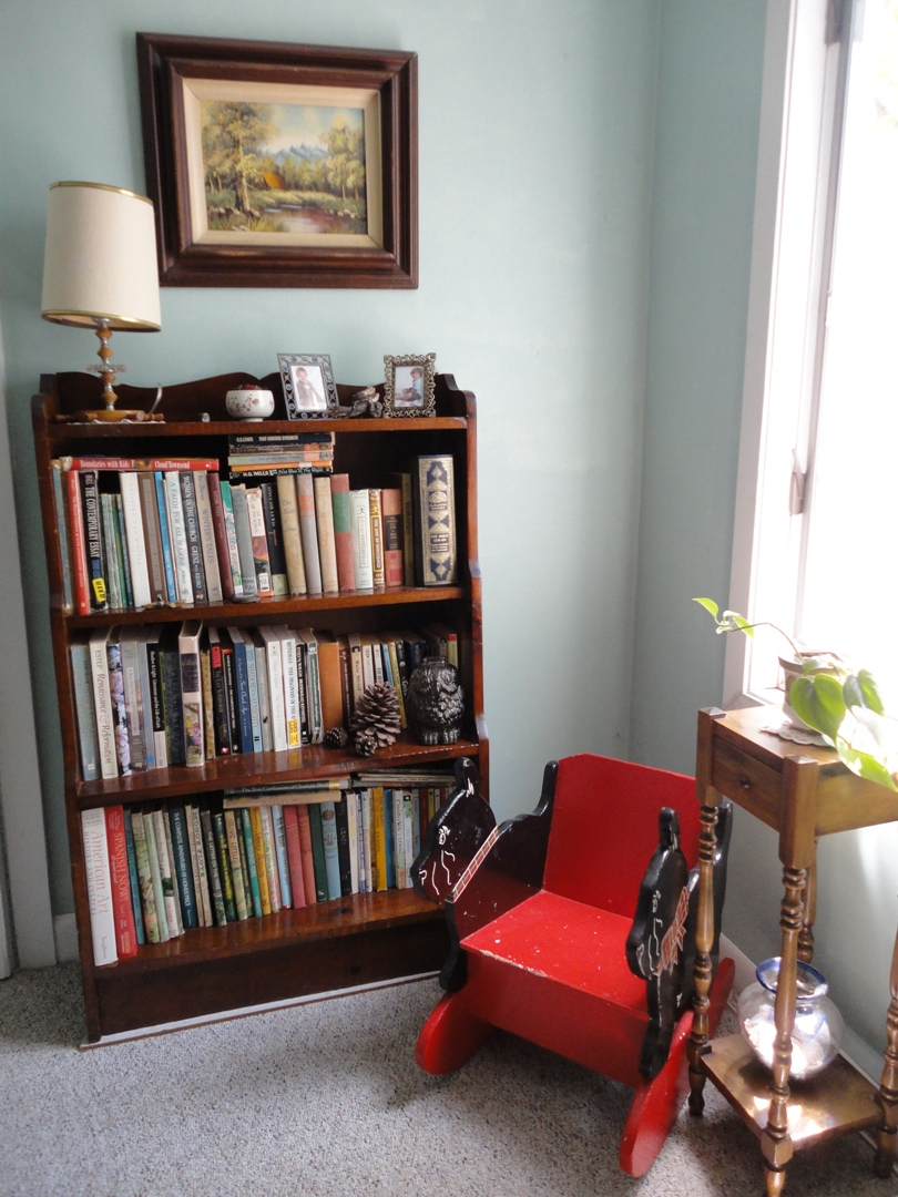 Minimalist Reading Space Ideas At The Corner Small Homemade Bookshelves